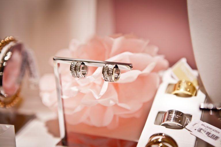 Apart leads Polish jewelery market