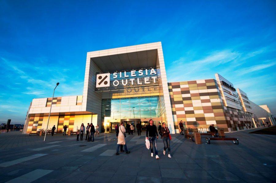 Silesia outlet centrum handlowe z zewnątrz