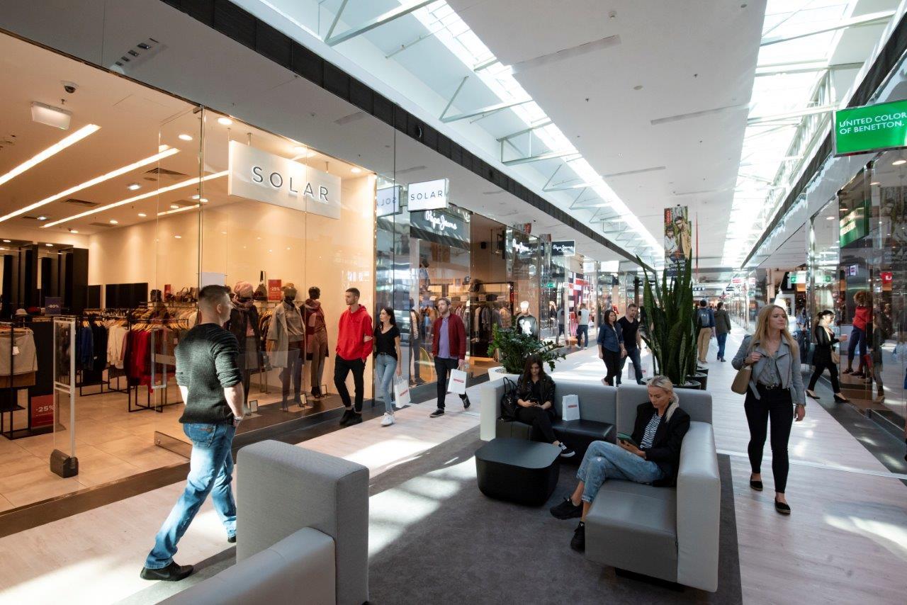 centrum handlowe wewnątrz