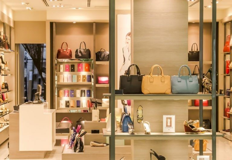 Falling number of clothing and footwear stores in Poland