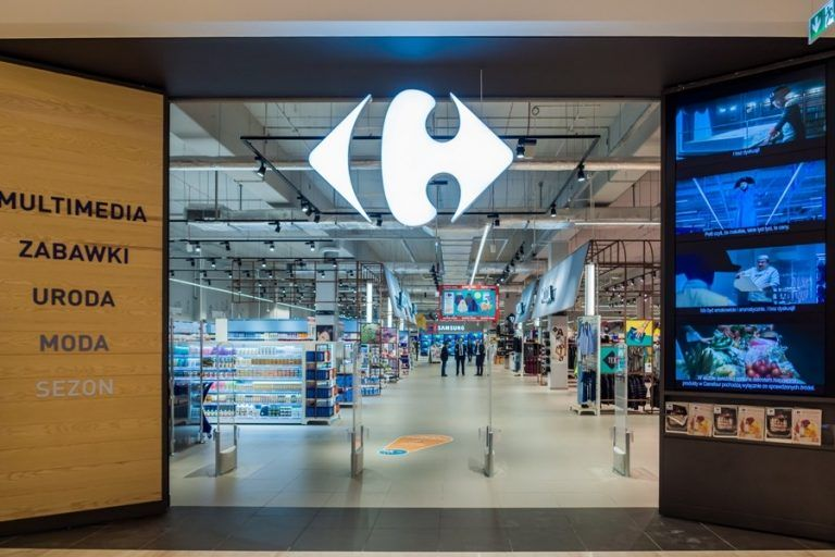 Carrefour strengthens online