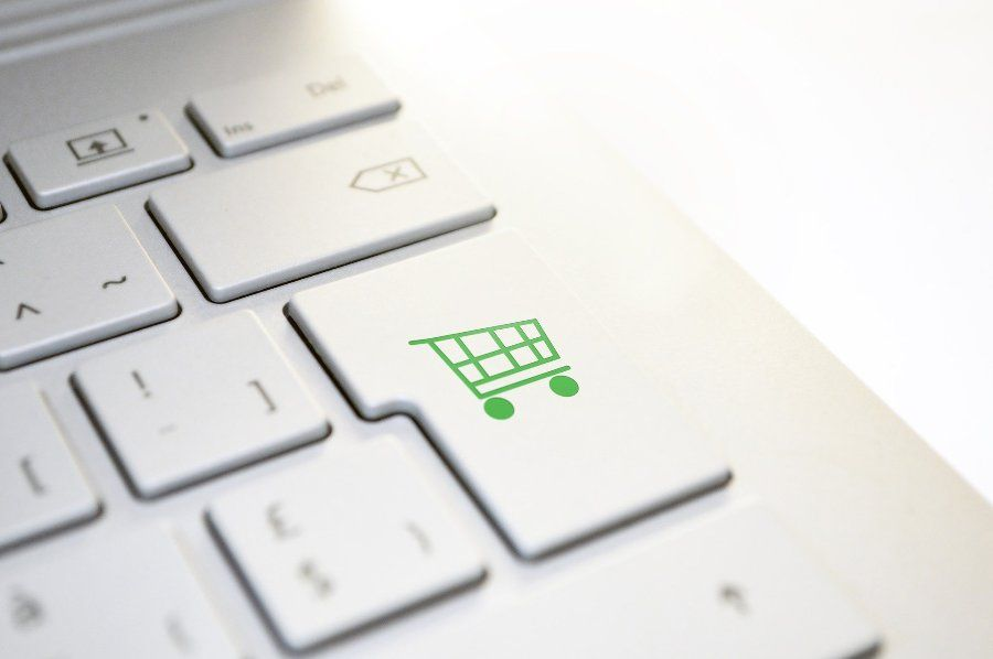 zakupy-online-klawiatura-wozek