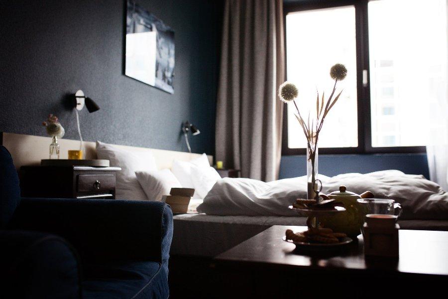 pokoj hotelowy lozko hotel