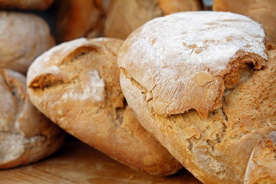 chleb bochenki chleba
