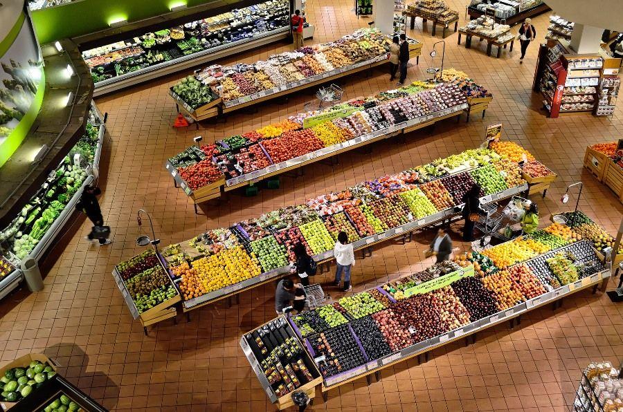 supermarket-warzywa-owoce-stoiska