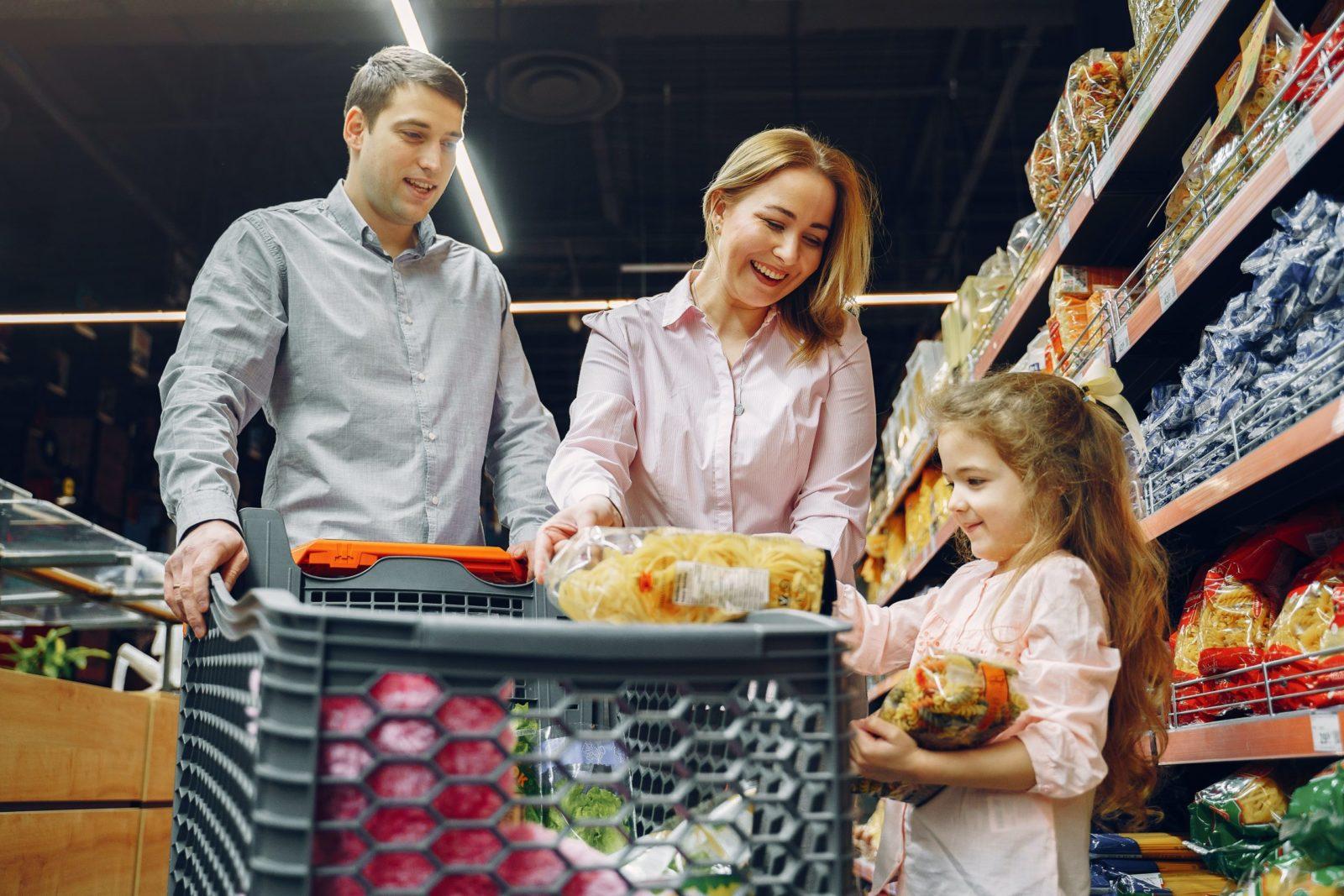 zakupy-rodzina-sklep spożywczy