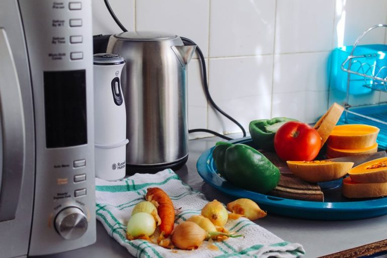PMR survey: One third of Poles buy private label household appliances/RTV
