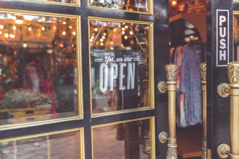 Coronavirus: HoReCa and shopping malls reopen