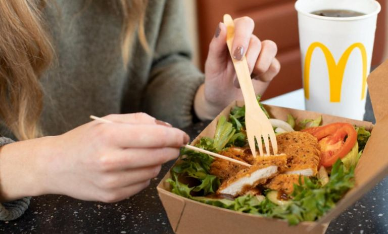 McDonald's reduces the use of plastic and switches to wooden cutlery