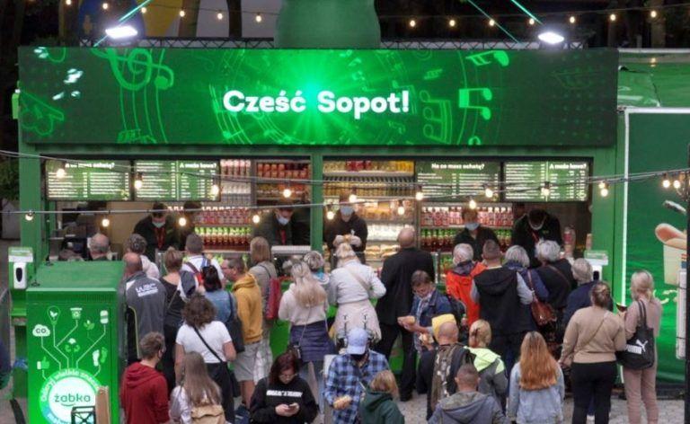 Mobile Zabka stores apper atfairs, concerts and festivals